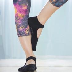 Rae-Yoga Non Skid Antibacterial Bamboo Bella Full Toe Socks, 2-Pack (Black – Size M/L)